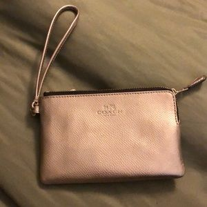 NWOT Coach Signature wristlet in gold